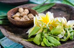 Exploring natural beauty and ancient medicine with a workshop class at Angelo's Store in Ubud, Bali.
