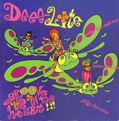 Groove Is In The Heart / What is Love? - Deee-Lite - Ano: 1990 - Gravadora: Elektra - Maxi Single das músicas. 3 versões de cada uma, incluindo Groove Is In The Heart (Meeting Of The Minds Mix).