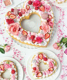 Fancy Cookies, Cookies And Cream, Cake Cookies, Sugar Cookies, Valentines Day Cakes, Valentine Cookies, Cupcakes, Cupcake Cakes, Tart Recipes