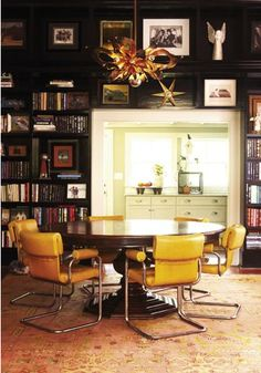 tafel met retro chairs