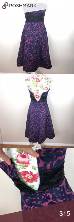 Strapless floral forever 21 dress In perfect condition. Size small. Manikin is slightly larger than the dress which is why it's not fully zipped in pictures Forever 21 Dresses Strapless
