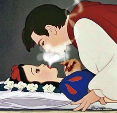disney, snow white, and high image Funny Disney, Disney Memes, Dark Disney, Disney Love, Disney Art, Cartoon Memes, Cartoon Art, Funny Memes, Images Disney