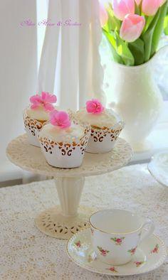 Aiken House & Gardens: Cupcakes and Tea
