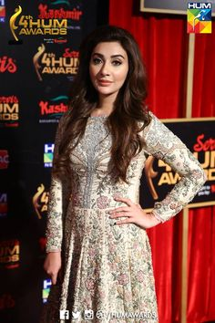 ayesha khan recently in 4th hum awards red carpet(assignment-3)