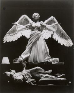 """The current revival of Tony Kushner's """"Angels in America"""" shows that the play has retained its impact over two decades."""