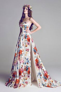 This dress would be pretty for a photo shoot in the woods