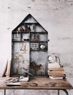 Metal Nik Nak House, Rose & Grey