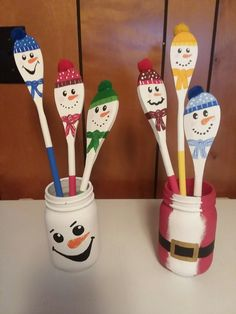 Christmas Ornament Crafts, Christmas Projects, Holiday Crafts, Christmas Diy, Ornaments, Wooden Spoon Crafts, Wooden Spoons, Painted Spoons, Spoon Art