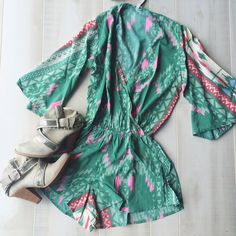 ✨SALE✨LAST ONE✨✨Printed Romper Super cute printed romper! The perfect summer to fall transition piece!                                                    ❗️No trades ❗️ Price firm unless bundled! Elan Tops