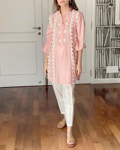 Pakistani Suits, Pakistani Dresses, Denim Fashion, Fashion Outfits, Kurti, Desi, Kimono Top, Tunic Tops, Asian