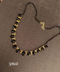 Gold Mangalsutra Designs, Gold Jewellery Design, Bead Jewellery, Beaded Jewelry, Beads Jewellery Designs, Gold Jewelry, Pearl Necklace Designs, Gold Necklace, Jewelry Model
