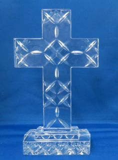 Towle Lead Crystal Standing Cross With Frosted Glass