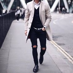 Yes or No? #menswear #mensfashion #menstyle #mensstyle #ootdmen #collection #photography #creativeconcept #pink #inspiration #instafashion #londonfashion #fashionillustration #illustration #trendyclothes #fashion #swag #style #stylish #ootd #dapper #swagger #men #photooftheday #loafer #luxury #velvetslippers #mensshoe #slippers #mensfashionpost http://ift.tt/2EoztIS