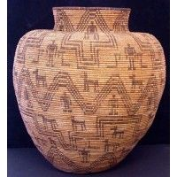 Antique Native American Indian Western Apache olla with stepped and zig zag design. Southwest Pottery, Southwestern Home, Native American Baskets, Native American Indians, Apache Indian, Indian Baskets, Bubble Art, Weaving Art, Native Art