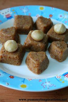 Raw Macadamia & Coconut Fudge Recipe - Yummy Inspirations - only 3 ingredients! Raw Desserts, Paleo Dessert, Healthy Desserts, Dessert Recipes, Healthy Junk, Fudge Recipes, Raw Food Recipes, Simple Recipes, Coconut Fudge Recipe