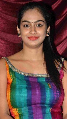Cute Beauty, Beauty Full Girl, Beauty Women, Beautiful Girl In India, Beautiful Girl Photo, Beautiful Bollywood Actress, Most Beautiful Indian Actress, Indian Girl Bikini, Indian Girls