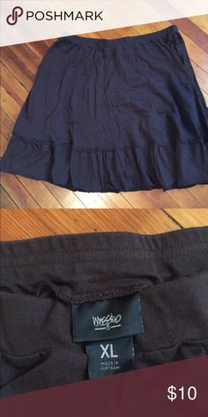 Brown skirt Brown Mossimo skirt size XL. Worn a few times. Smoke free home. Mossimo Supply Co Skirts A-Line or Full