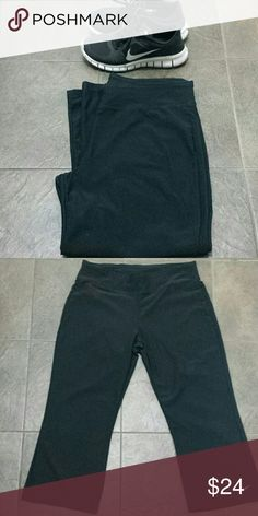 Nike dri fit Capri pants size L Inseam 21 inches Full length is 32 inches. Good condition no piling Nike Pants Track Pants & Joggers