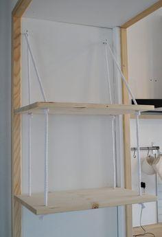 Étagère suspendue bois sapin bibliothèque : Meubles et rangements par lu-des-bois