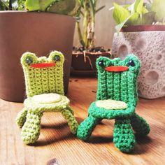 Crochet Frog, Kawaii Crochet, Cute Crochet, Crochet Crafts, Crochet Toys, Crochet Projects, Knit Crochet, Diy Crafts, Nerd Crafts