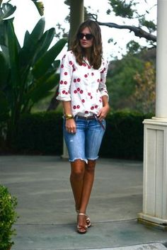 46 Lovely Bermuda Shorts Ideas To Rock This Season – Women Fashion Ideas Bermuda Shorts Outfit, Modest Shorts, Summer Shorts Outfits, Long Shorts, Short Outfits, Spring Outfits, Spring Summer Fashion, Casual Outfits, Bermuda Jeans