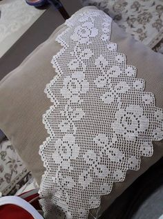 This Pin was discovered by Sev Diy And Crafts, Elsa, Handmade, Design, Japanese, Handmade Cushions, Towels, Cape Clothing, Crochet Edgings
