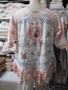Vintage Kitty. FRENCH MARKET tunic. vintage by sistersroseandruby