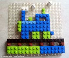 Here is an easy #LEGO Mosaic Train for your kids to create.  No directions but easy to make.