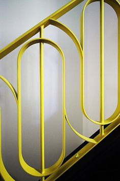 Stunning Art Deco Stair Railing Designs For Modern Home Interior - GetDesignIdeas Railing Design, Staircase Design, Staircase Ideas, Railing Ideas, Modern Staircase Railing, Stair Design, Escalier Art, Balustrades, Stair Handrail