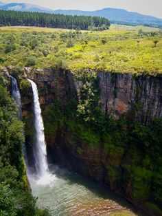Take a drive through the Panorama region, and you'll quickly see why Mpumalanga is hailed as one of the most scenic provinces in South Africa. Natural Waterfalls, Beautiful Waterfalls, Wonderful Places, Great Places, Beautiful Places, The Beautiful Country, Beautiful World, Places To Travel, Places To Visit
