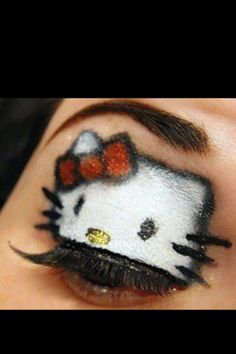 Hello Kitty eyeshadow look