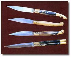 Alcuni oggetti di artigianato sardo - coltelli Live By The Sword, Hunting Knives, Cold Steel, Blacksmithing, Landscapes, Traditional, Knives, Gold, Italia