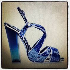Beautiful blue sandals for the last evening of 2012.... HAPPY NEW 2013 to EVERYONE!!!!!