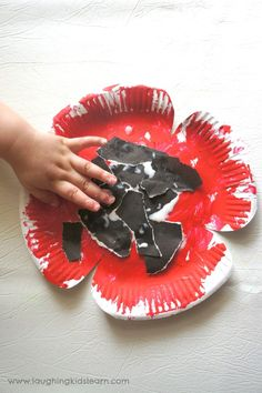 poppy craft made from paper plates - Laughing Kids Learn