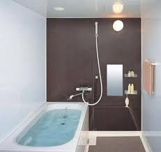 Afbeeldingsresultaat voor kleine badkamer met douche en bad
