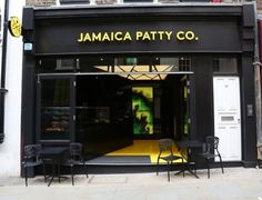 The  Jamaica Patty CO brings a  bright new face in the  Covent Garden's dining scene. Aiming to offer traditional Caribbean foods and drinks to as wider a market as possible. The main feature in this trendy new restaurant is the Illuminated Printed Barrisol® Stretch Ceiling System. Hovering over the main restaurant the ceiling glows with its dimmable LED back lighting,  highlighting the HD printed with monochrome stripes.