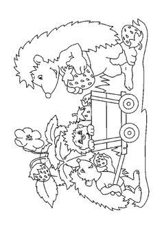 La famille hérisson entrain de cueillir des fraises dans la forêt, une illustration à colorier