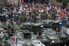 El Ejército Mexicano es la rama terrestre de las Fuerzas Armadas de México, depende de la Secretaría de la Defensa Nacional y tiene como objetivo defender la integridad, la independencia ...
