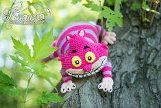 Krawka: Cheshire cat crochet pattern inspired by Disney's Alice in Wonderland. Pattern by Krawka