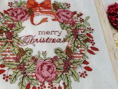 Noël  Couronne de l'aquarelle  Croix broderie par 1001PatternsEtc