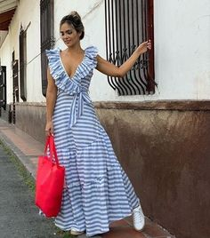 Outfits ideas & inspiration : Now I will share some ideas of striped dresses to wear in spring, striped dresses and bows to wear in spring, striped dresses and belt to wear in spring, Cute Dresses, Casual Dresses, Fashion Dresses, Summer Dresses, Summer Maxi, Girl Fashion, Fashion Looks, Womens Fashion, The Dress