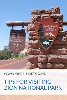 Zion National Park Travel Guide – tips for your first visit Do you like hiking and are you planning a road trip in Southwest USA? Then you just have to visit Zion National Park! The park is filled with great hiking trails and gorgeous viewpoints. Us National Parks, Zion National Park, The Narrows, Southwest Usa, Us Travel Destinations, Us Road Trip, Travel Usa, Travel Tips, Travel Advice