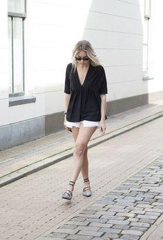 ZARA top & tas  DIY cut-off shorts  SENSO flats  DANIEL WELLINGTON horloge  RAYBAN zonnebril  aug