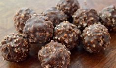 Σοκολατάκια Ferrero Rocher με 4 μόνο υλικά   Συνταγές - Sintayes.gr