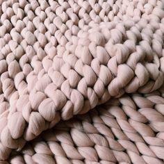 Tea rose Chunky merino wool yarn for arm knit thick huge yarn for Merino wool blanket knitted with hands