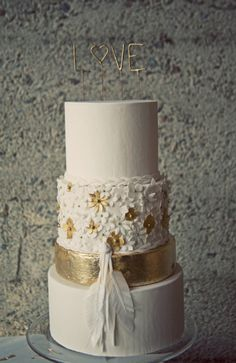 Cake designer, Stevi Auble, creates one of a kind modern cakes. Serving all of Southern California and beyond. Cute Wedding Dress, Fall Wedding Dresses, Perfect Wedding, Dream Wedding, Wedding Day, Gold Wedding, Wedding Stuff, Elegant Wedding, Wedding Photos