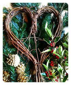 Modern Mummy: Make Your Own Christmas Wreath / Willow Heart