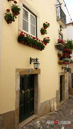 Alma Portuguesa, Alfama neighborhood, traditional streets in Lisbon