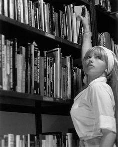 Cindy Sherman, Untitled Film Still #13.