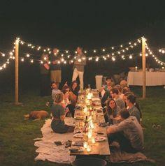 Cena al aire libre para conocer a los familiares